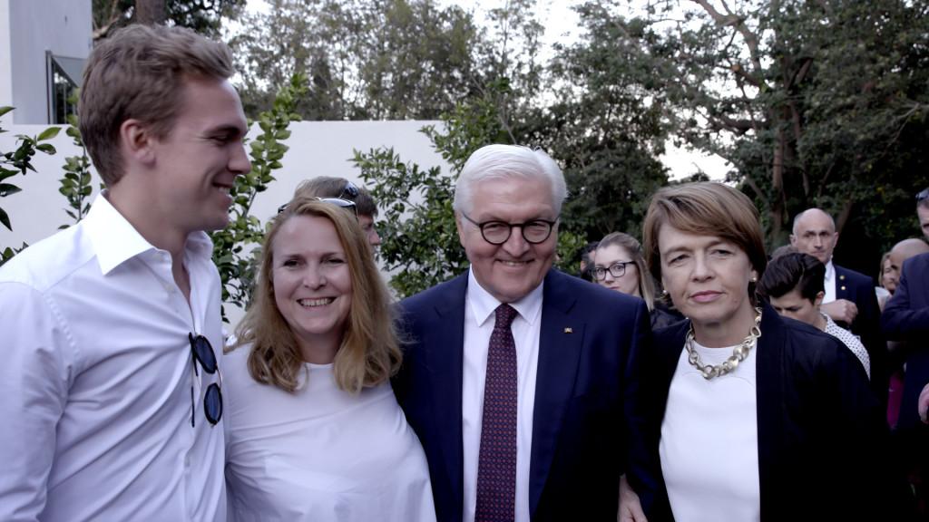 v.li. Jasper Hannan, Ursula Seeba-Hannan, Bundespräsident Dr. Frank Steinmeier, Elke Büdenbender
